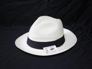 Montecristi Classic White 01